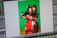Picture of the computer screen displaying a raw shot of Samy and Edith during the D'Italiano photoshoot